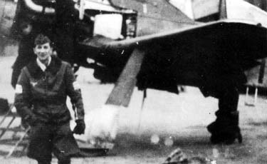 Gruppenkommandeur of IV./JG 3 Major Erwin Bacsila in front of the Fw 190 D-9 1